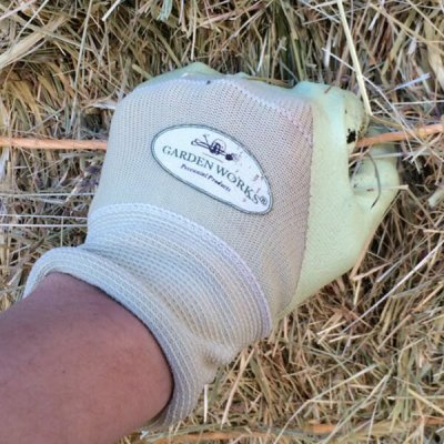 Grubbers-Green-Gloves-by-walts-organic-fertilizers
